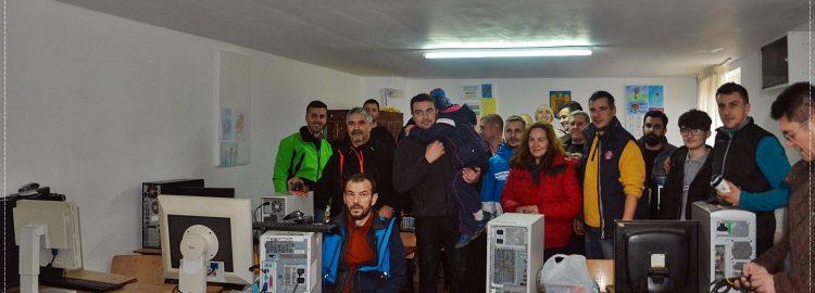 Donație 10 calculatoare pentru Școala Chiojdeni din Vrancea