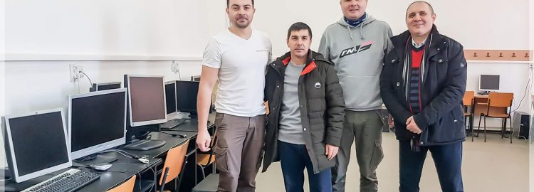 Donație 10 calculatoare la Școala Jariștea, Vrancea