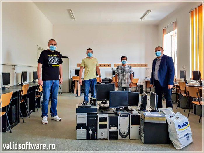 Donatie 10 calculatoare la Scoala Jaristea din Vrancea